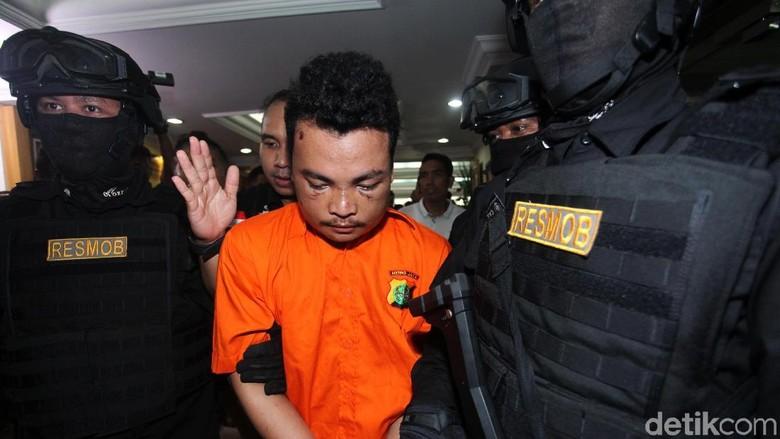 Ini Dia Tampang Pelaku Pembunuhan Satu Keluarga di Bekasi