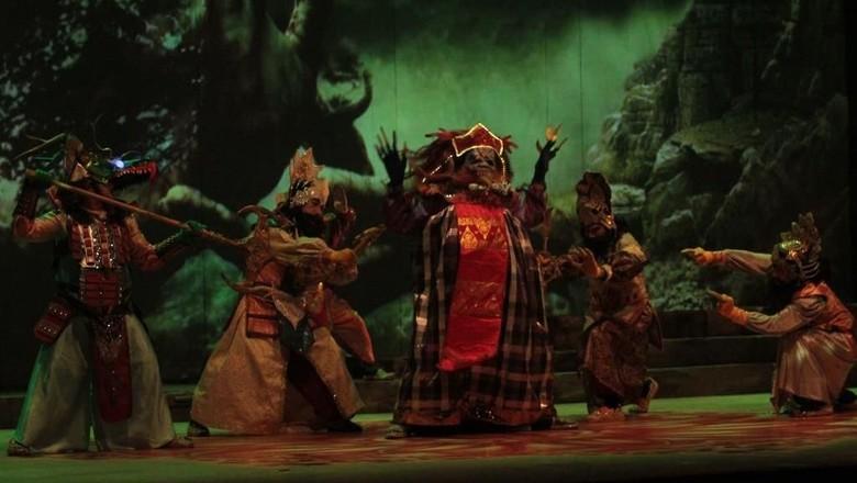 Cara Teater Koma Gaet Generasi Milenial di Produksi Mahabarata  Foto: Pementasan Mahabarata (Dok. image Dynamics)