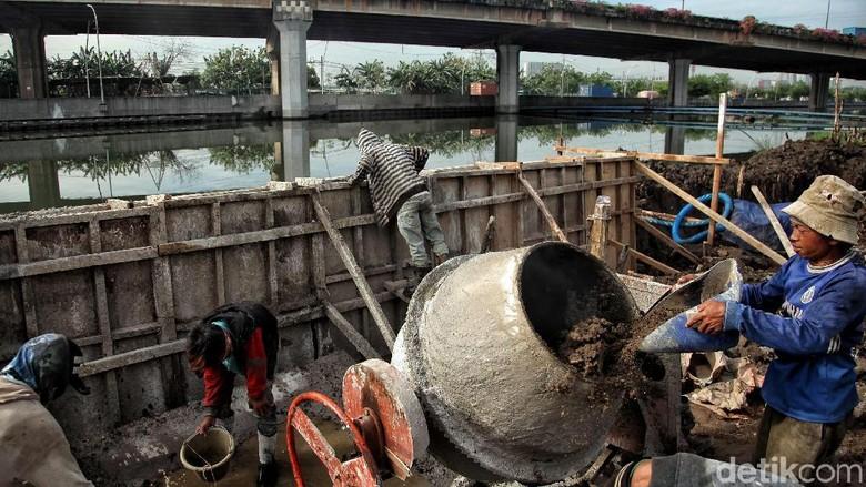 Kali Ancol Dibangun Tanggul untuk Antisipasi Banjir