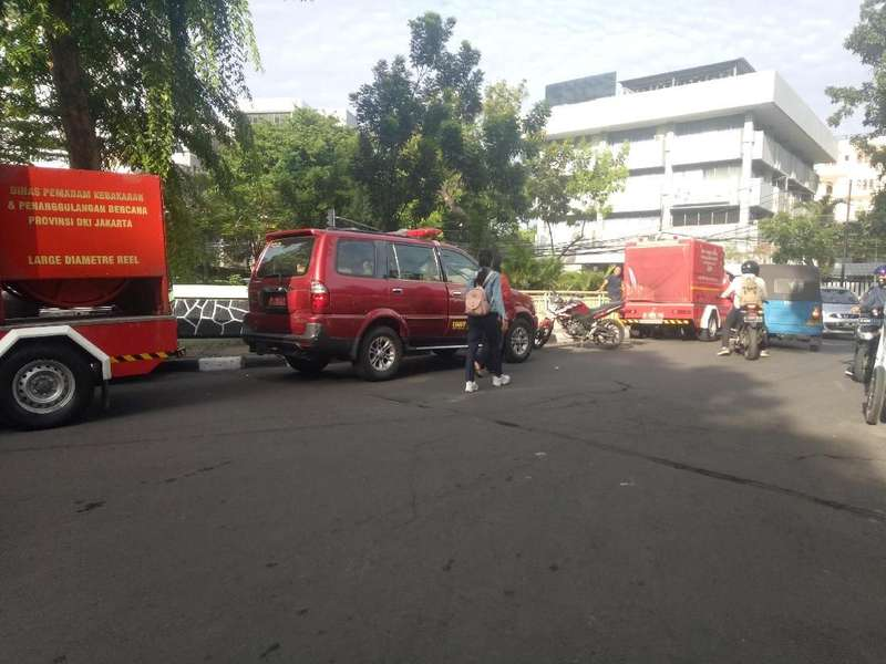 Imbas Kebakaran, Jalur di Belakang Kementerian Pertahanan Steril