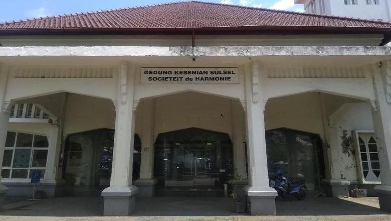 Societeit de Harmonie, Saksi Seni Eropa di Tanah Sulawesi