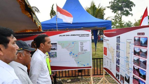 Presiden Jokowi di PLBN Sota-Papua