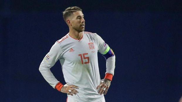 Sergio Ramos dan kawan-kawan kini harus menunggu hasil laga Kroasia vs Inggris untuk melihat peluang lolos ke babak berikut.