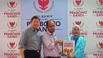Buku Paradoks Indonesia Prabowo Diluncurkan Dalam Versi Braille