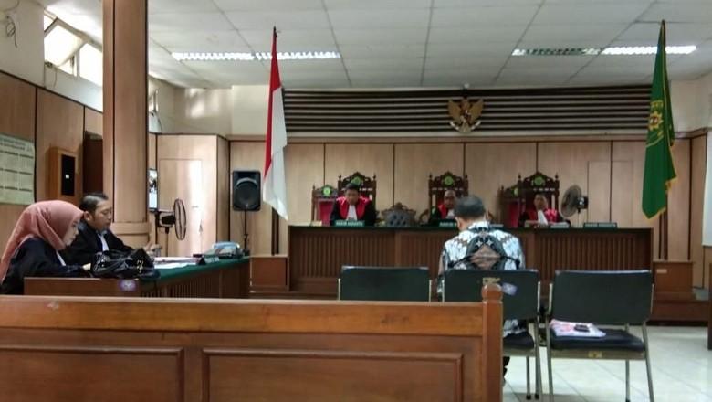 Bagi-bagi Minyak Goreng, Caleg Perindo Dituntut Setahun Penjara