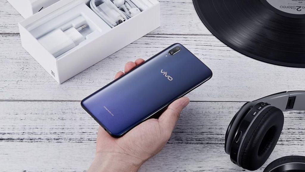 Penggunaan Aksesori Orisinal Buat Smartphone Makin Awet