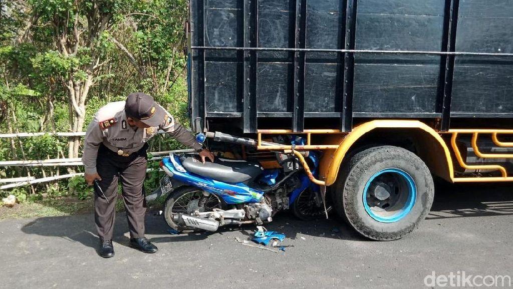 Biker Tabrak Truk Parkir, Satu Pelajar Tewas dan Satu Kritis