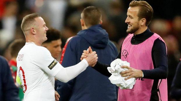 Wayne Rooney yakin Harry Kane bisa melewati rekor gol miliknya.