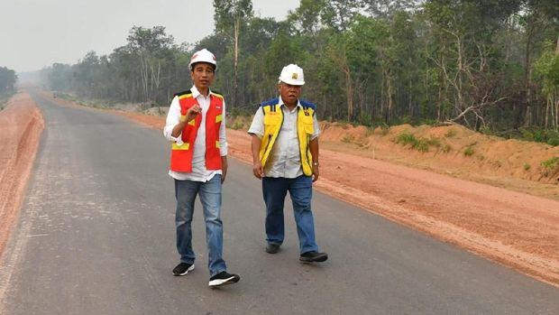 Presiden Jokowi dan Menteri PUPR jajal Trans Papua ruas Merauke-Boven Digoel