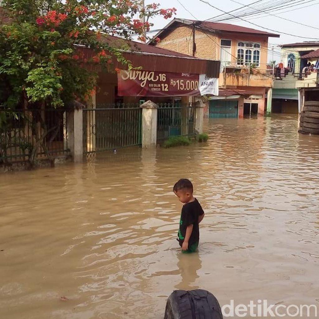 Ratusan Rumah Warga di Medan Terendam Banjir
