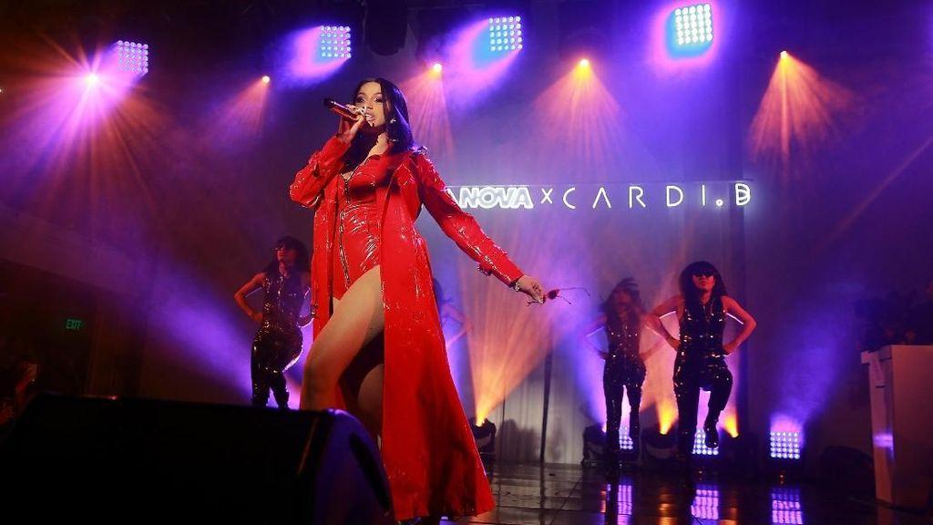 Ajak Balikan di Konser, Offset Ditolak Cardi B