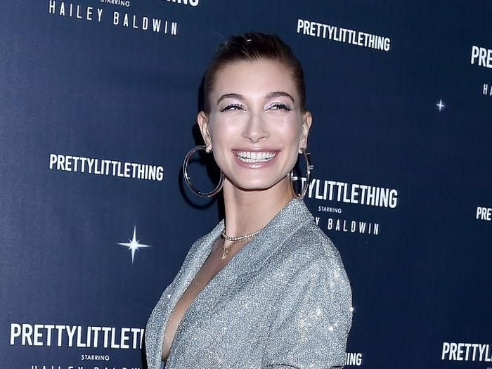 WEST HOLLYWOOD, CA - NOVEMBER 05:  Hailey Baldwin arrives at PrettyLittleThing X Hailey Baldwin at Catch on November 5, 2018 in West Hollywood, California.  (Photo by Gregg DeGuire/Getty Images)