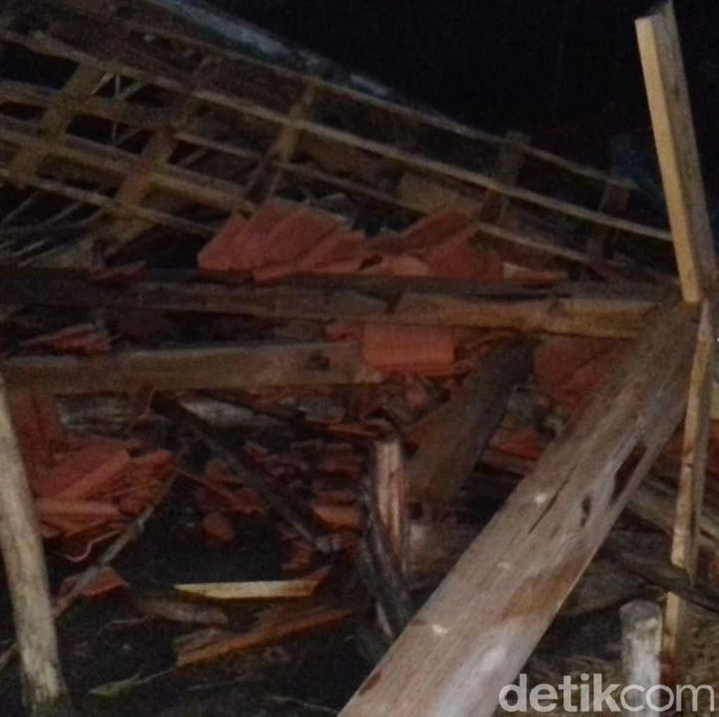 Puluhan Rumah Rusak Tersapu Angin Kencang di Grobogan