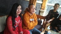 Semenjak resmi bercerai dengan Lina, Sule mengaku jauh lebih bebas untuk bergerak dan membantu saudara-saudaranya. Foto: Hanif Hawari/ detikHOT