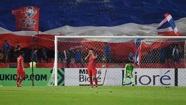 Timnas Indonesia kebobolan empat kali dalam laga tandang di Thailand.