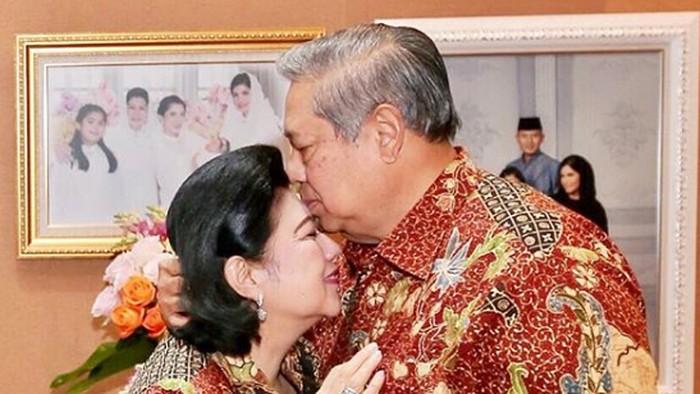 Ani Yudhoyono dirawat di Singapura karena penyakit kanker darah. (Foto: Instagram)