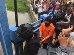 Penampakan Haris Pembunuh Satu Keluarga Cari Linggis di Kalimalang