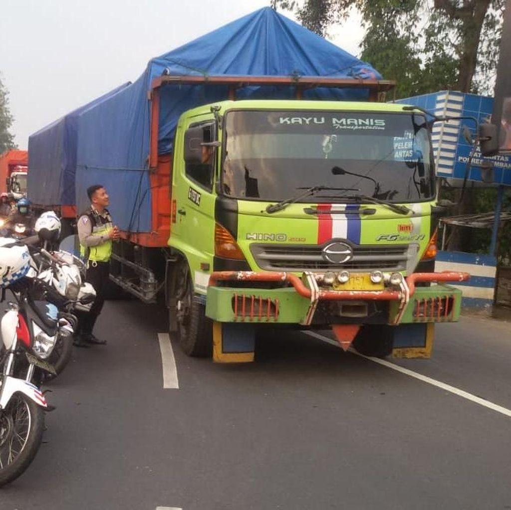 Mengkreng Padat, Kemacetan Mengular Hingga Tol Mojokerto-Kertosono