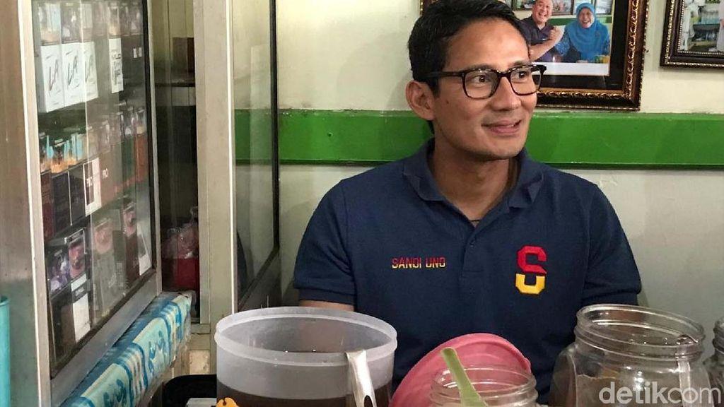 Sandiaga Cicipi Kupat Tahu Magelang Langganan SBY