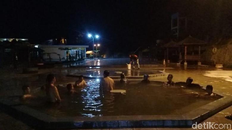 Pemandian air panas DQiano Banjarnegara (Uje Hartono/detikTravel)