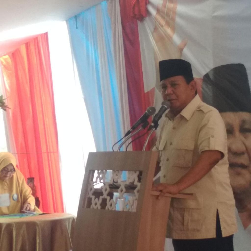 Sebut Air Laut Bisa Sampai Istana, Prabowo: Nanti Presiden Jalan Kaki
