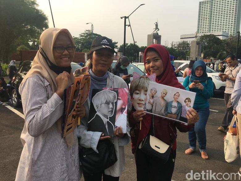Konser WINNER Jadi Ladang Rezeki Penjual Pernak-pernik Idol K-Pop Foto: Esty Rahayu/ detikHOT