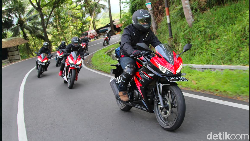 Finish! Rombongan Honda PCX dan CBR150R Sampai di Honda Bikers Day