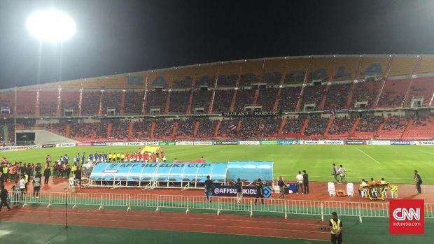 Thailand tampil perkasa dengan mengalahkan Timnas Indonesia 2-4 di Stadion Rajamangala. (