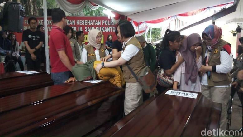 3 Jenazah Korban Lion Air Diserahkan ke Keluarga