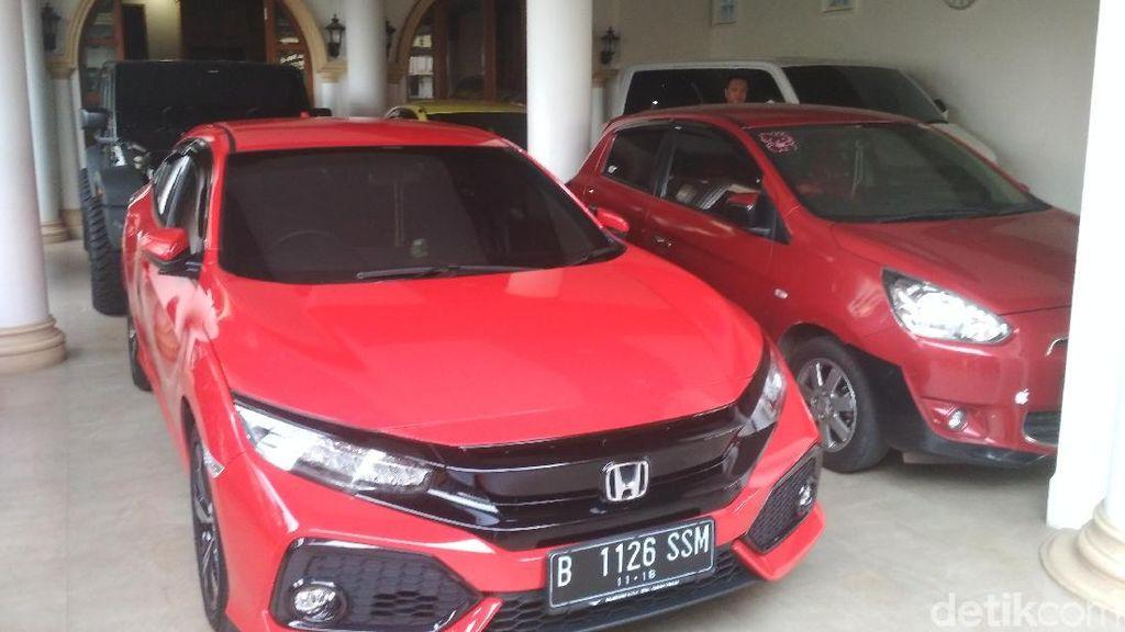 Punya Banyak Mobil, Mana yang Sering Dipakai Sule?