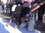 Aksi Solidaritas di Makassar untuk Baiq Nuril