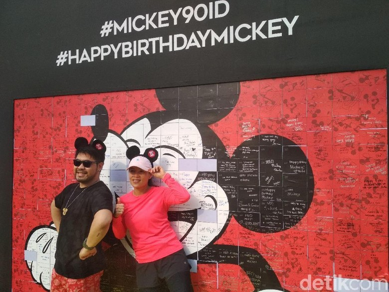 Meriahnya Perayaan Ulang Tahun Mickey yang ke-90