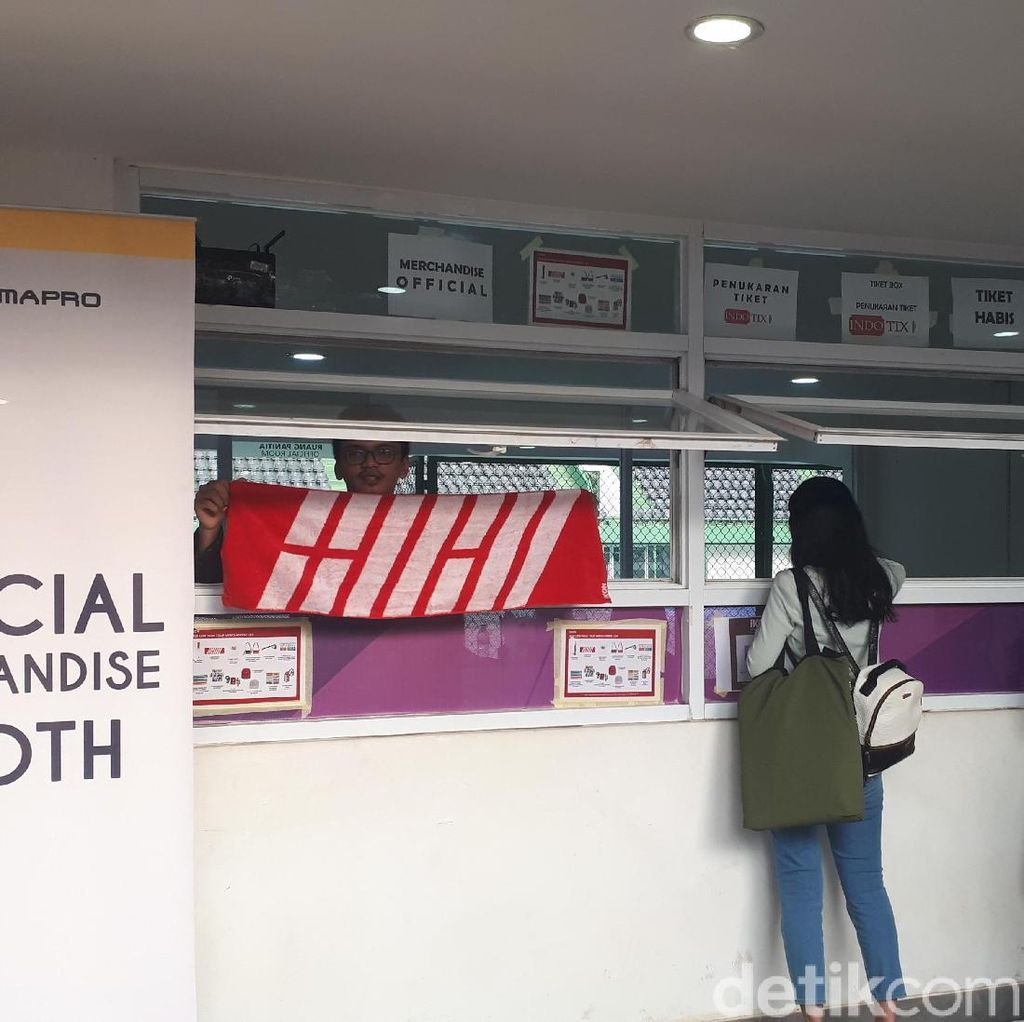 Yuk, Intip Merchandise yang Dijual di Konser iKON Jakarta!