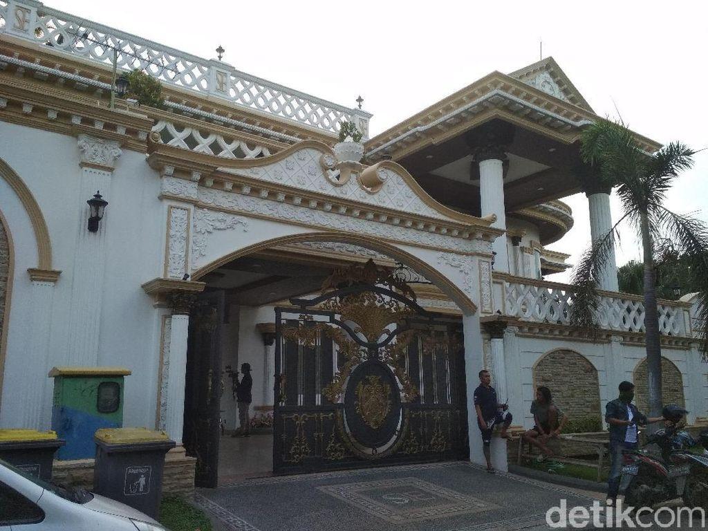 Mengintip Mewahnya Rumah Sule di Bekasi