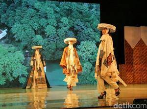 Melihat Karya Para Desainer di Banyuwangi Batik Festival