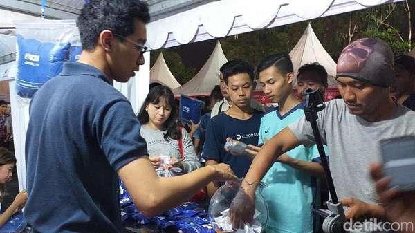 Warga Surabaya Serbu Stan Detikcom di Mlaku-mlaku Tunjungan