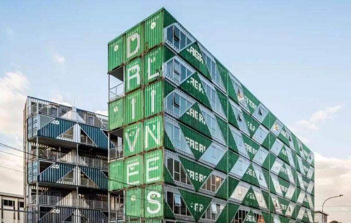 Apartemen dari peti kemas ini berlokasi di Johannesburg, Afrika Selatan. Istimewa/Curbed.