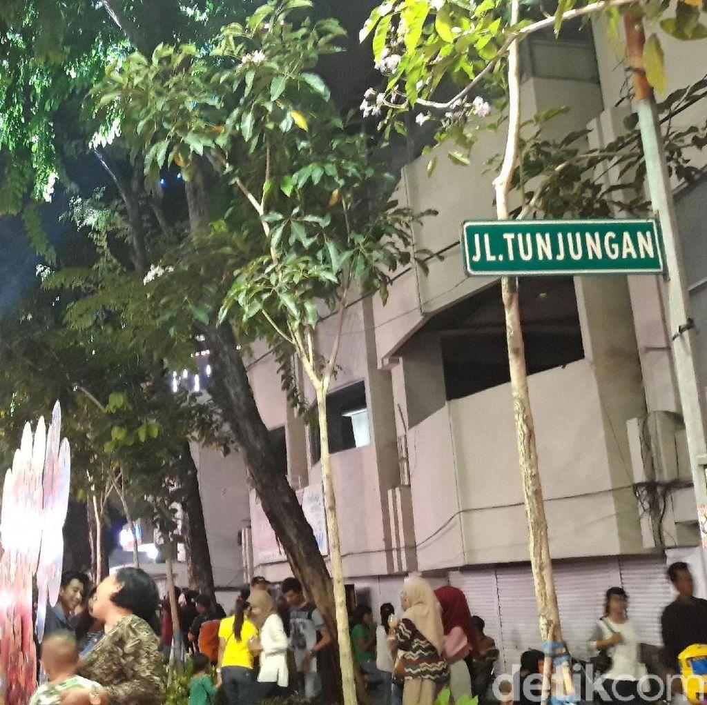 Mlaku-mlaku Nang Tunjungan Dijubeli Ribuan Warga Surabaya