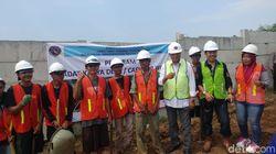 Naik Helikotpter, Budi Karya Cek Proyek Padat Karya di Maja