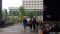 KPK punya waktu 1x24 jam untuk menentukan status Bupati Remigo. Foto: Eva Safitri/detikcom