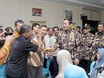 Safari Satu Nusa di Demak, Wali Kota Hendi Serahkan Ratusan Sembako