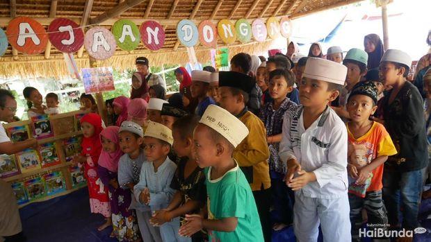 Dongeng Bantu Sembuhkan Trauma Anak-anak Korban Gempa Lombok