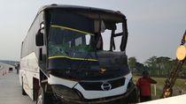 Bus Seruduk Truk di Tol Ngawi-Wilangan, 6 Penumpang Terluka