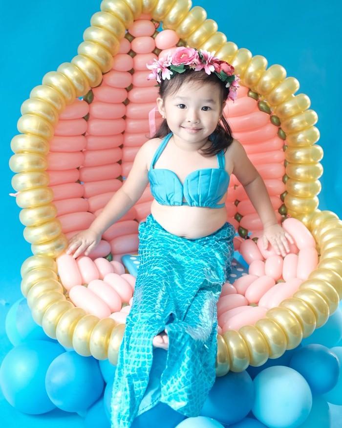 Si cantik ini punya nama lengkap Thalia Putri Onsu. Di usia 3 tahun, Thalia terlihat selalu ceria dalam berbagai momen. Foto: instagram @thaliaputrionsu