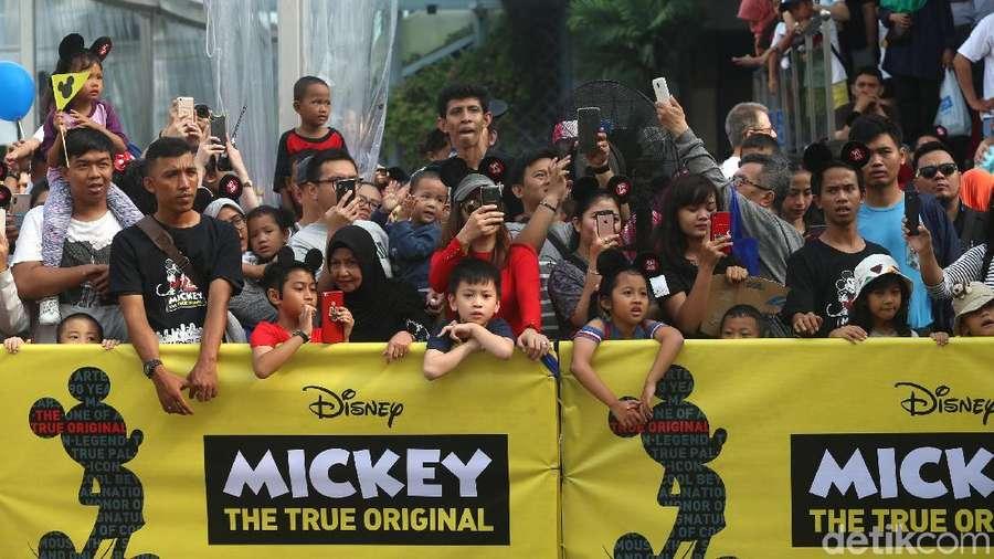 Ribuan Orang Padati Hari Ulang Tahun Mickey Mouse di Jakarta