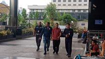 Detik-detik Bupati Pakpak Bharat Digiring ke KPK