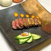 Steak Kobe Berlapis Emas 24 Karat Ini Dijual Seharga Rp. 5,8 Juta!