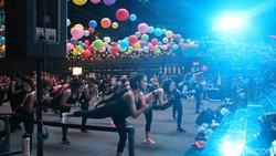 Salah satu olahraga baru yang sedang banyak digandrungi pencinta gaya hidup sehat ialah Strong by Zumba. Intensitas tinggi, diklaim membakar banyak kalori.