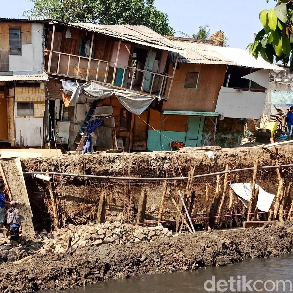 Tanah Ambles di Ancol, Warga Ngungsi di Lahan Pinjaman