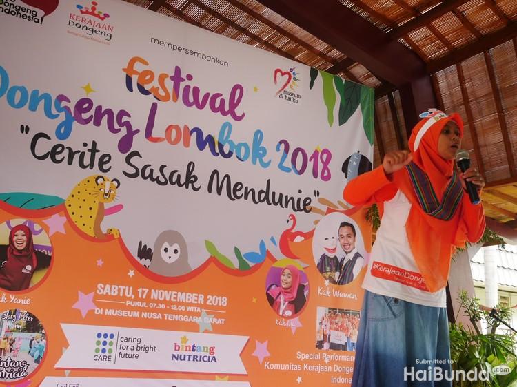 Pada Sabtu (17/11/2018), diadakanlah sebuah Festival Dongeng Lombok 2018 Cerite Sasak Mendunie, di Museum Negeri Nusa Tenggara Barat, Lombok, bersama anak-anak. (Foto: Amelia Sewaka)